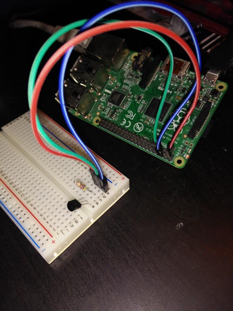 Der DS18B20 auf dem Breadboard, verbunden mit dem Rsspberry Pi